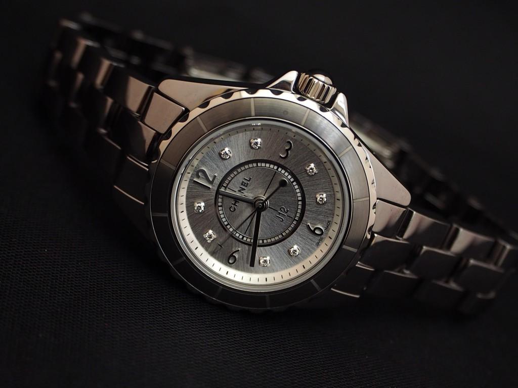 人と違った時計をお探しの方にシャネル「J12 クロマティック 29mm ダイヤモンドインデックス」
