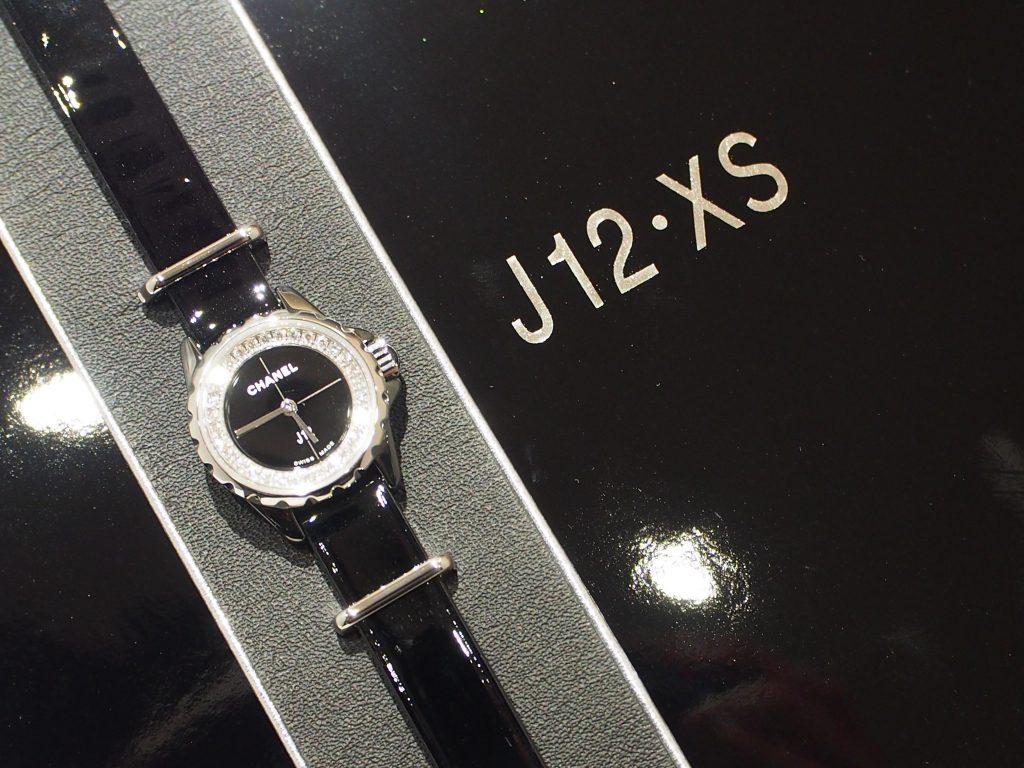 その日の気分に合わせて2WAYで楽しめる♪シャネル「J12-XS」