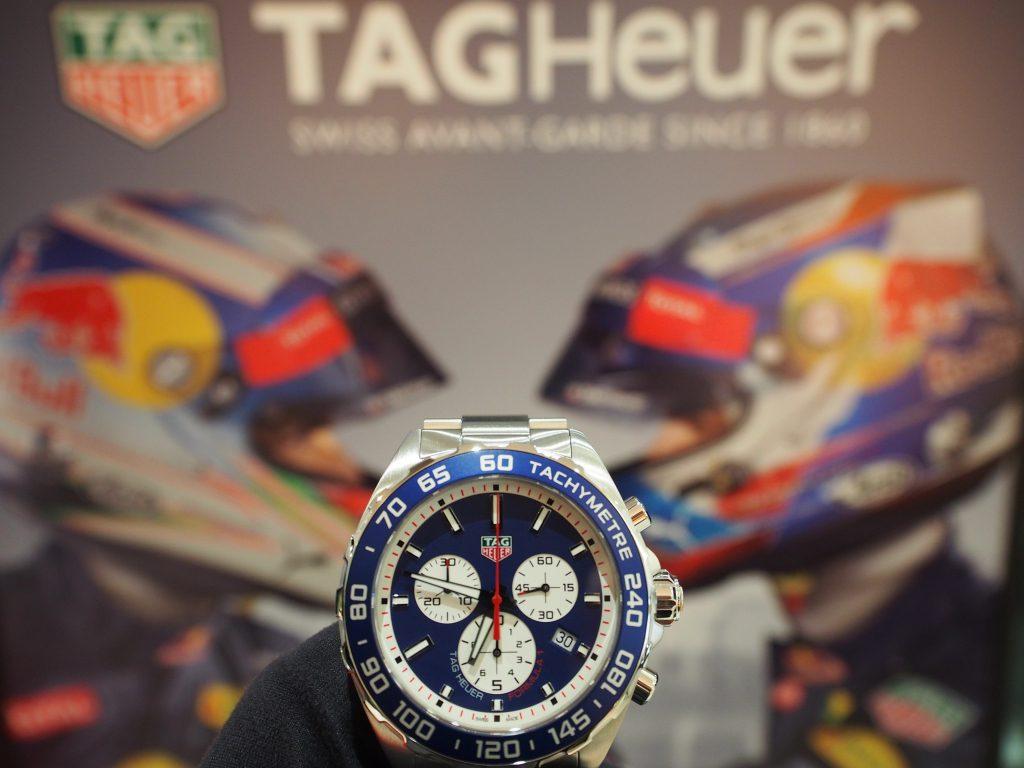 タグ・ホイヤーより限定モデル 「フォーミュラ1 クロノグラフ レッドブル レーシング スペシャルエディション」