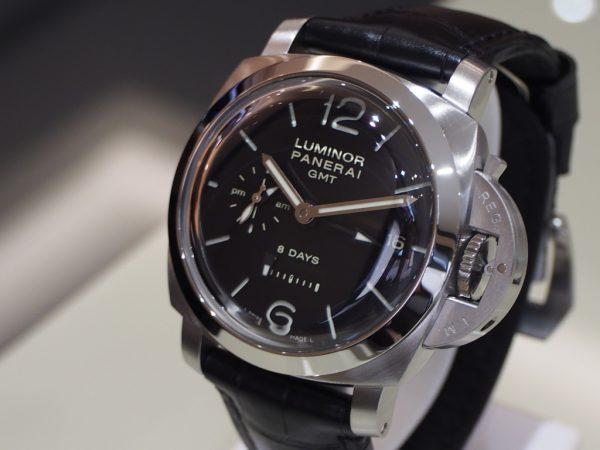 初代自社ムーブメント搭載モデル!パネライ「ルミノール 1950 8デイズ GMT」PAM00233