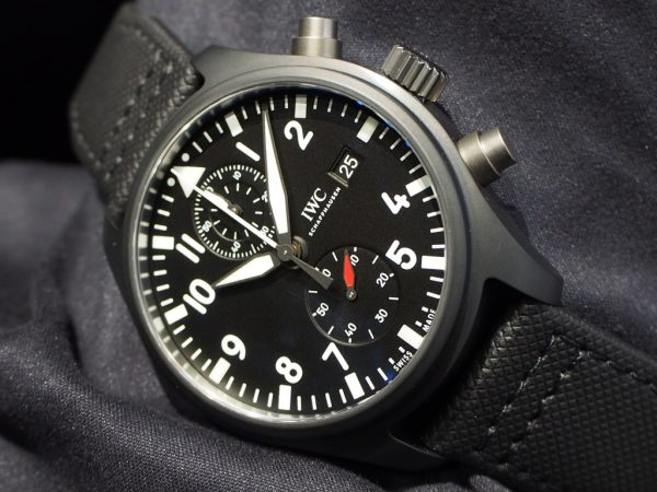 ミリタリーテイストな男らしい時計です!IWC「パイロット・ウォッチ・クロノグラフ トップガン」
