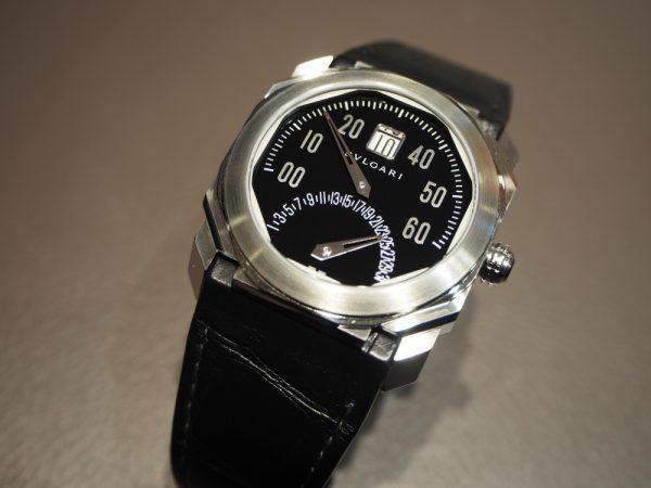 少し違った時計をお探しの方に!ブルガリ「オクト バイレトロ」