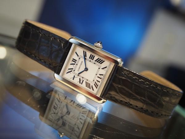 春到来!フォーマルにも使える母のベーシック時計。