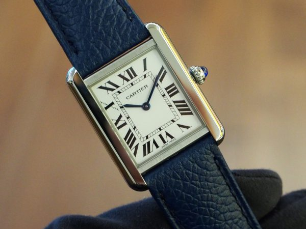 """【Cartier(カルティエ)】新しくなった""""タンク ソロ ウォッチ""""は革ストラップの着せ替えが可能!"""