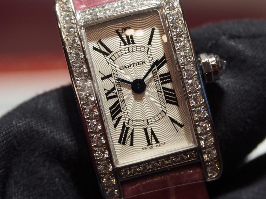 Cartier(カルティエ)/タンク アメリカン!日本人女性の腕元に良く馴染むミニサイズ、あります!