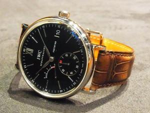 今日のIWC×伊藤は192時間のエネルギーを備えたエレガンスな時計。