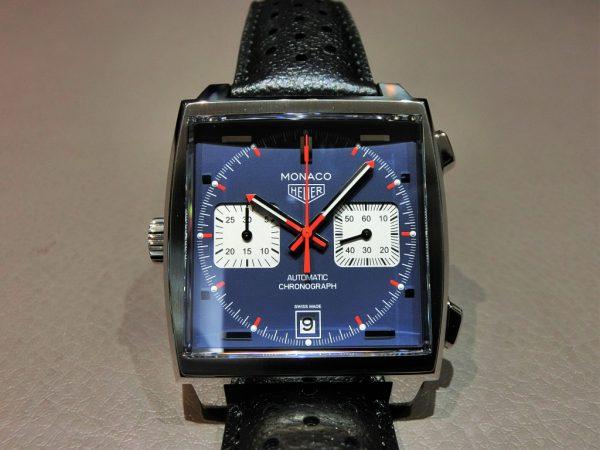 クラシックな角型時計 タグ・ホイヤー モナコ CAW211P