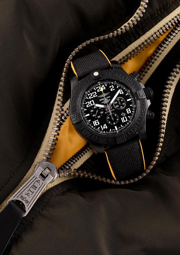時計業界初、卓越した強靭さと軽さを誇る未来の素材Breitlight®