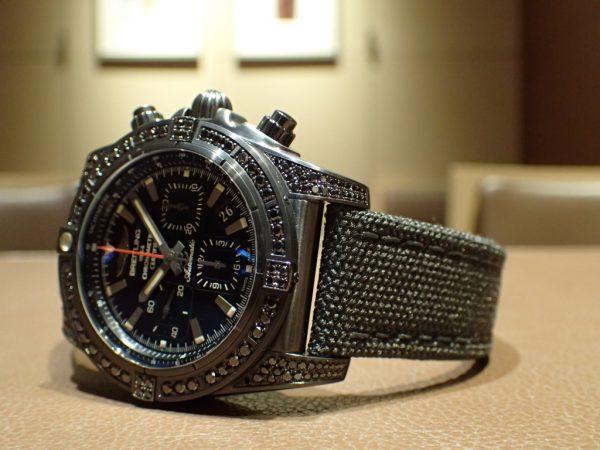 艶やかなブラックダイヤがカッコイイ!! 世界で100本だけのクロノマット特別モデルです。
