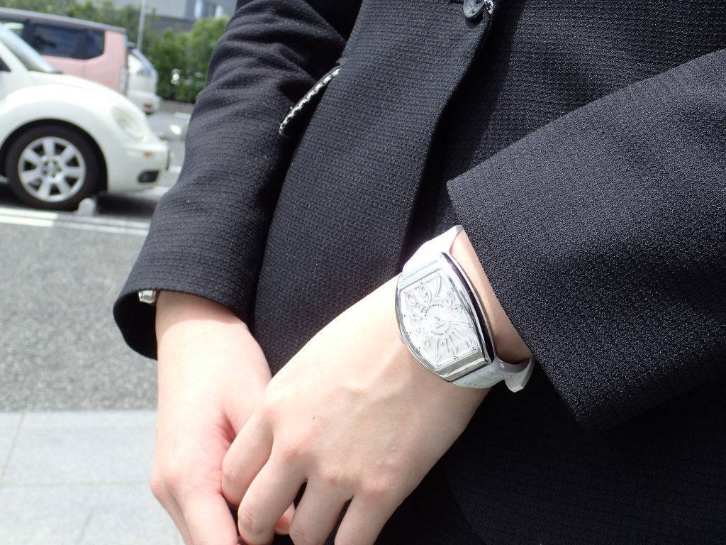 フランク・ミュラーの新たなアイコンモデル ヴァンガードのレディースモデル入荷!