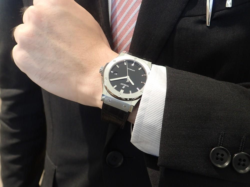 スーツを着こなす大人の為の時計 ウブロクラシック・フュージョン