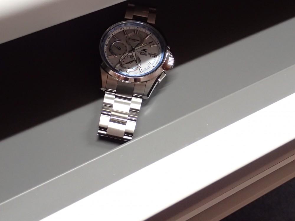 ソーラーの時計には定期的な充電を