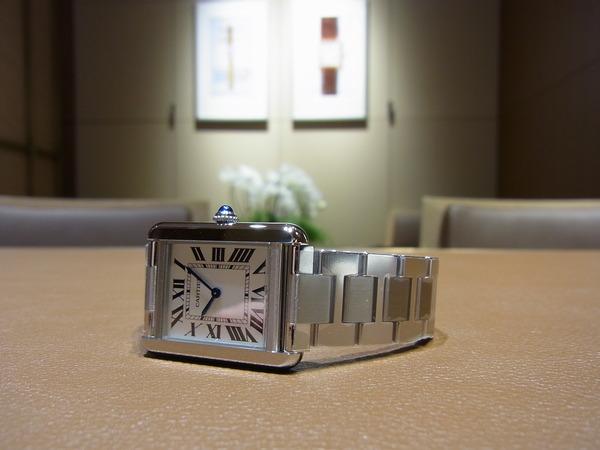 シンプルな時計をお探しの方 カルティエの人気モデルが入荷しました! 「タンク ソロ」 W5200013