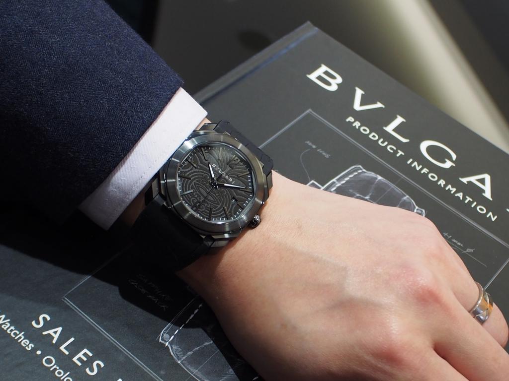 ブルガリとニュージーランドラグビーのコラボモデル「オクト オールブラックス」-BVLGARI -PC130395