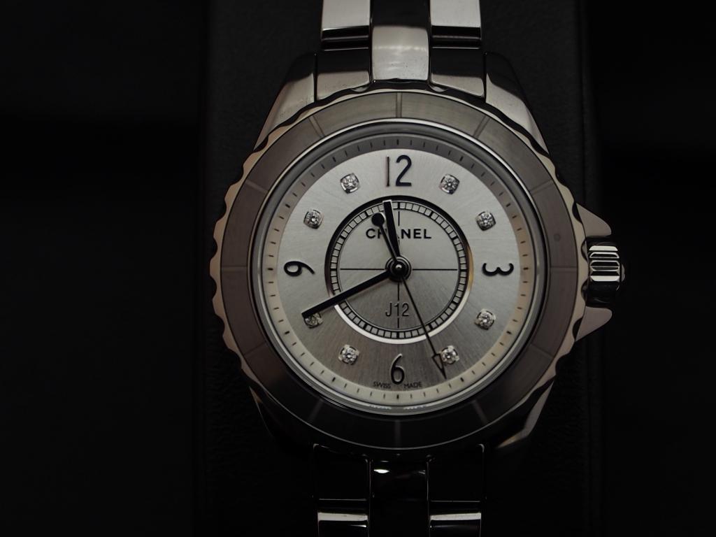 人と違った時計をお探しの方にシャネル「J12 クロマティック 29mm ダイヤモンドインデックス」-CHANEL -P1070944