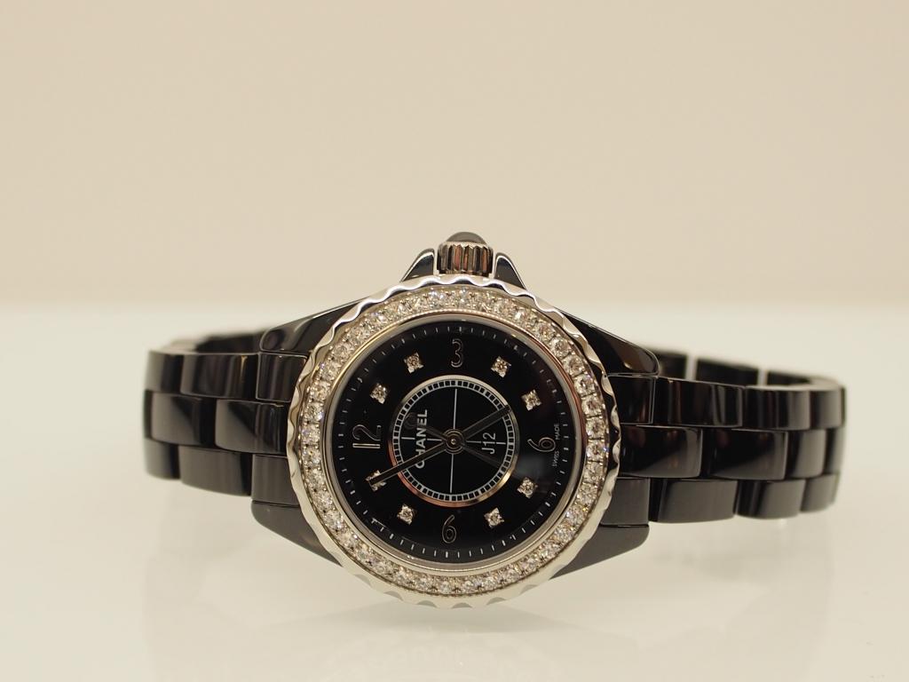 どのようなシーンにも華やかさをプラスします♪シャネル「J12 ブラック ダイヤモンド 29mm」-CHANEL -P9180286