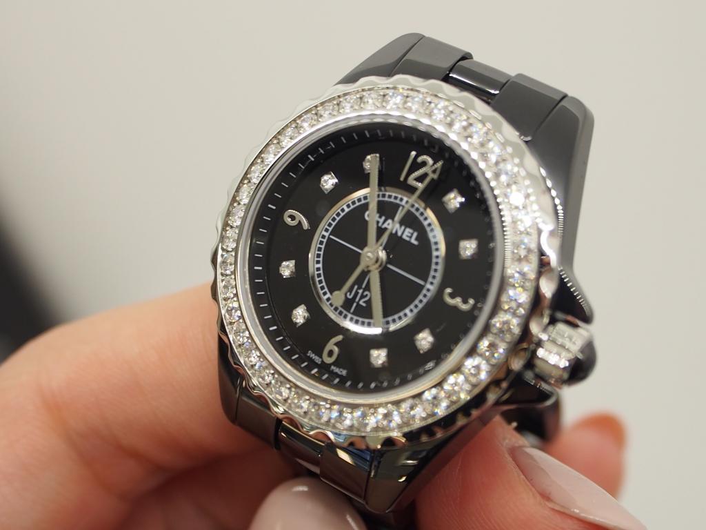 どのようなシーンにも華やかさをプラスします♪シャネル「J12 ブラック ダイヤモンド 29mm」-CHANEL -P9180288