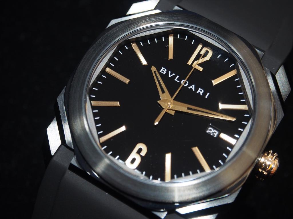 真っ黒の時計をお探しの方にオススメモデル!ブルガリ「オクト ウルトラネロ」