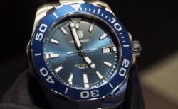 引き込まれるようなブルー文字盤が魅力!タグ・ホイヤー「アクアレーサー 300m クオーツ」