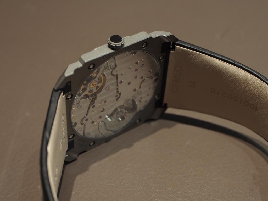 高級感のある時計は世界最薄自動巻き腕時計 ブルガリ オクト フィニッシモ-BVLGARI -PC140917