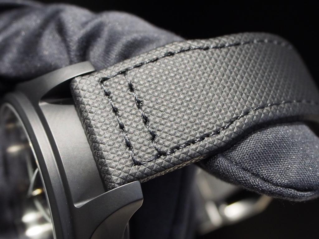ミリタリーテイストな男らしい時計です!IWC「パイロット・ウォッチ・クロノグラフ トップガン」-IWC スタッフのつぶやき -PC160936