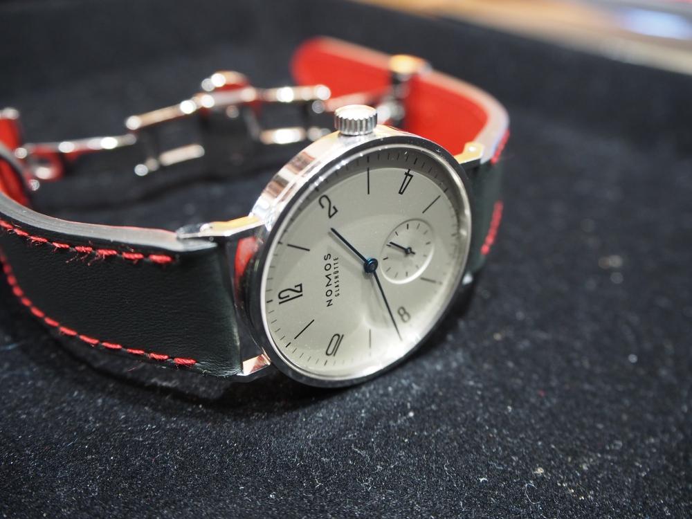お持ちの時計、雰囲気変えてみませんか??用途によっていろんな革をお作り出来ます!!