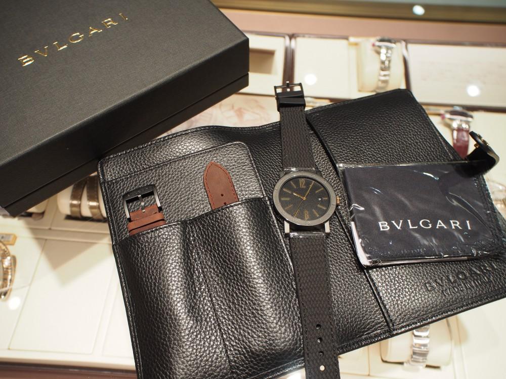 高級感のあるラバーストラップの時計「ブルガリ ブルガリ」-BVLGARI -P8312066