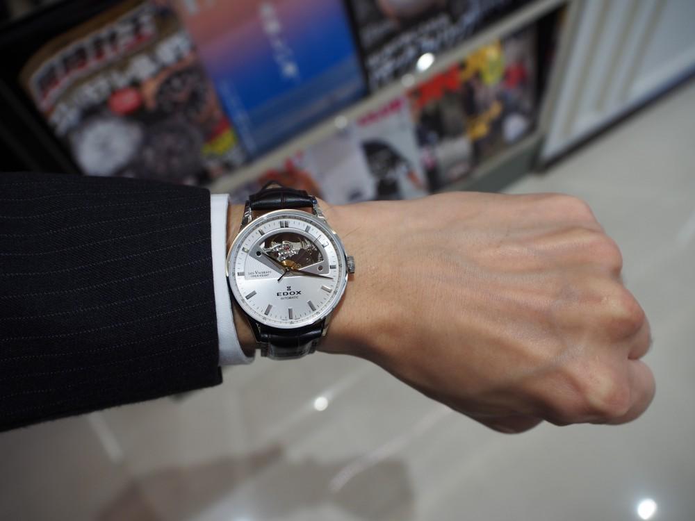 ダイバーズだけじゃない!EDOXのクラシックな時計「レ・ヴォベール オープン ハート オートマチック」-EDOX -PA230031