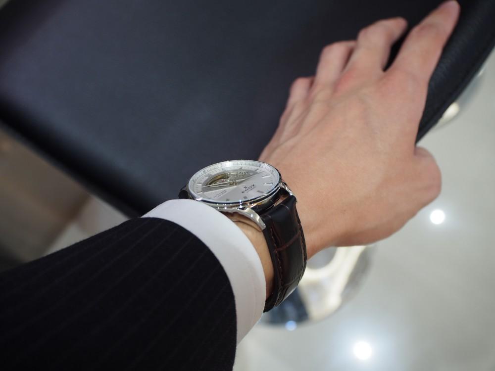 ダイバーズだけじゃない!EDOXのクラシックな時計「レ・ヴォベール オープン ハート オートマチック」-EDOX -PA230032