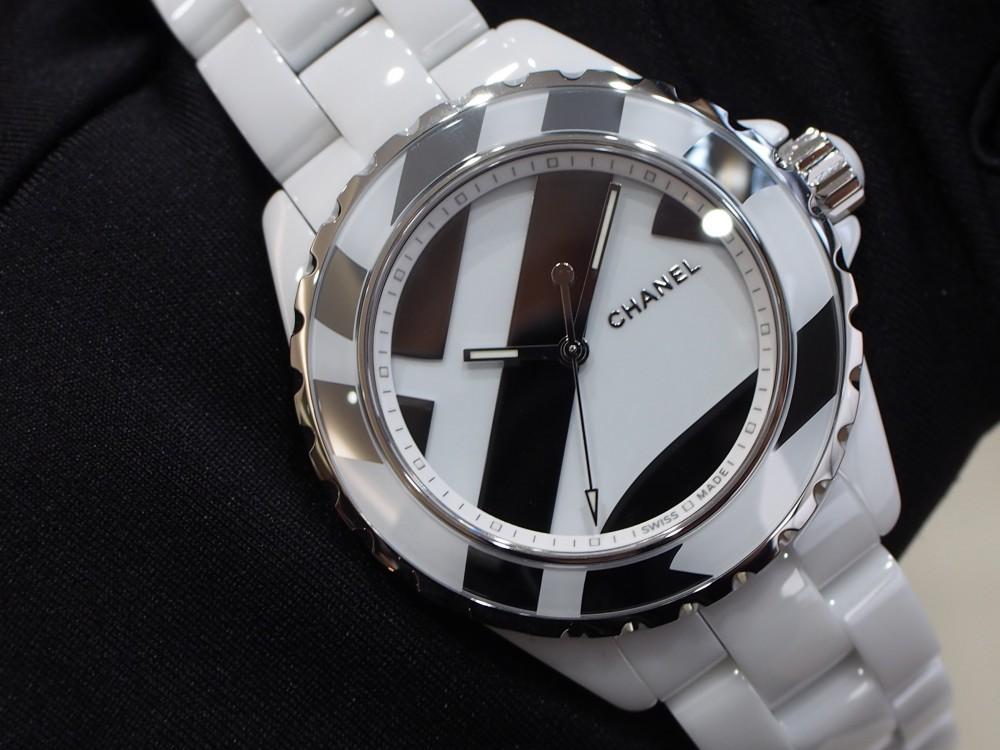 シャネルの時計を買うならJ12の限定モデルを狙うべき!!-CHANEL -PC180090