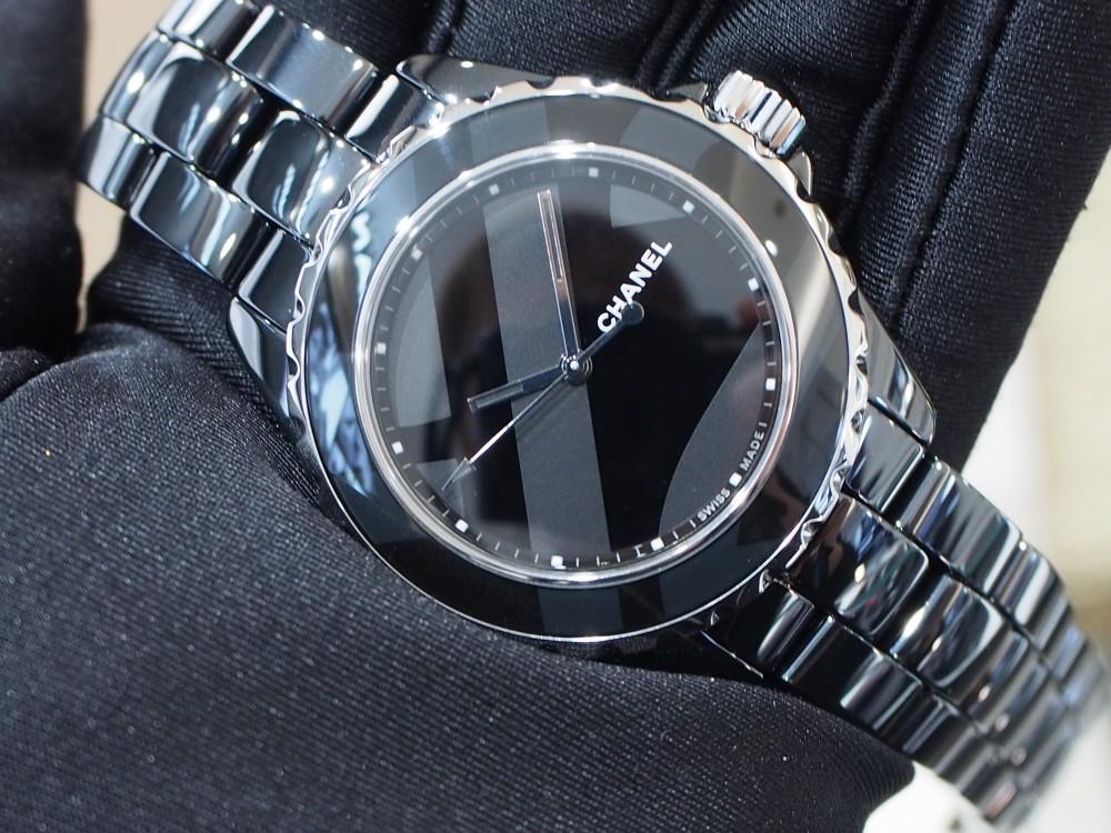 シャネルの時計を買うならJ12の限定モデルを狙うべき!!-CHANEL -PC180094