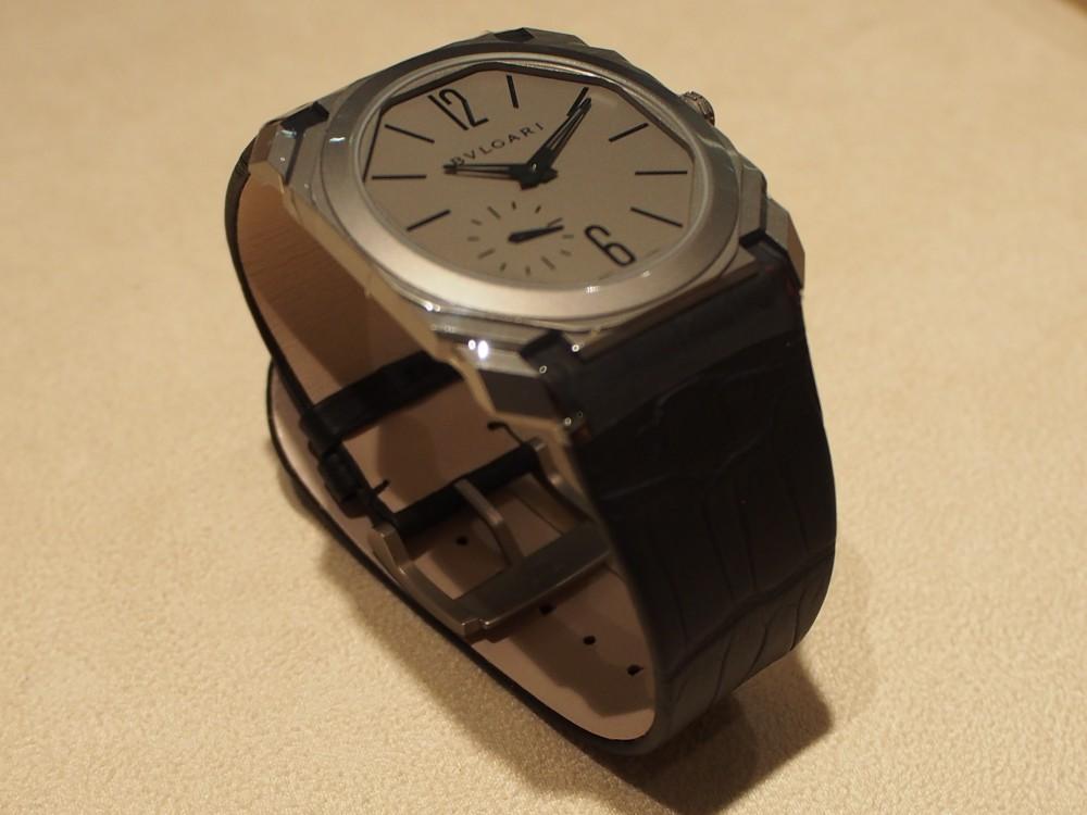 高級感のある時計は世界最薄自動巻き腕時計 ブルガリ オクト フィニッシモ-BVLGARI -P1050299