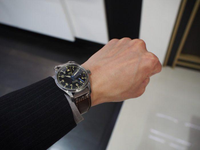 伝統と実用性を両立したIWCらしい時計 「IWC パイロット・ウォッチ・マーク XVIII ヘリテージ 」-IWC -P1240459-700x525