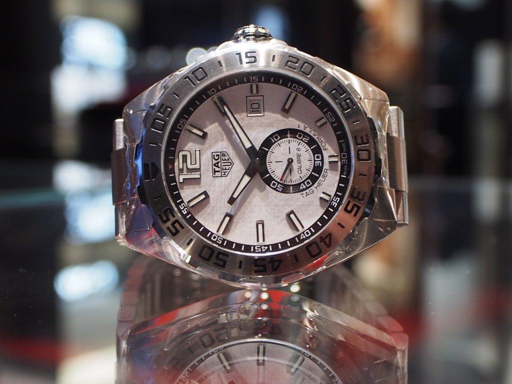 高級感のある時計は世界最薄自動巻き腕時計 ブルガリ オクト フィニッシモ