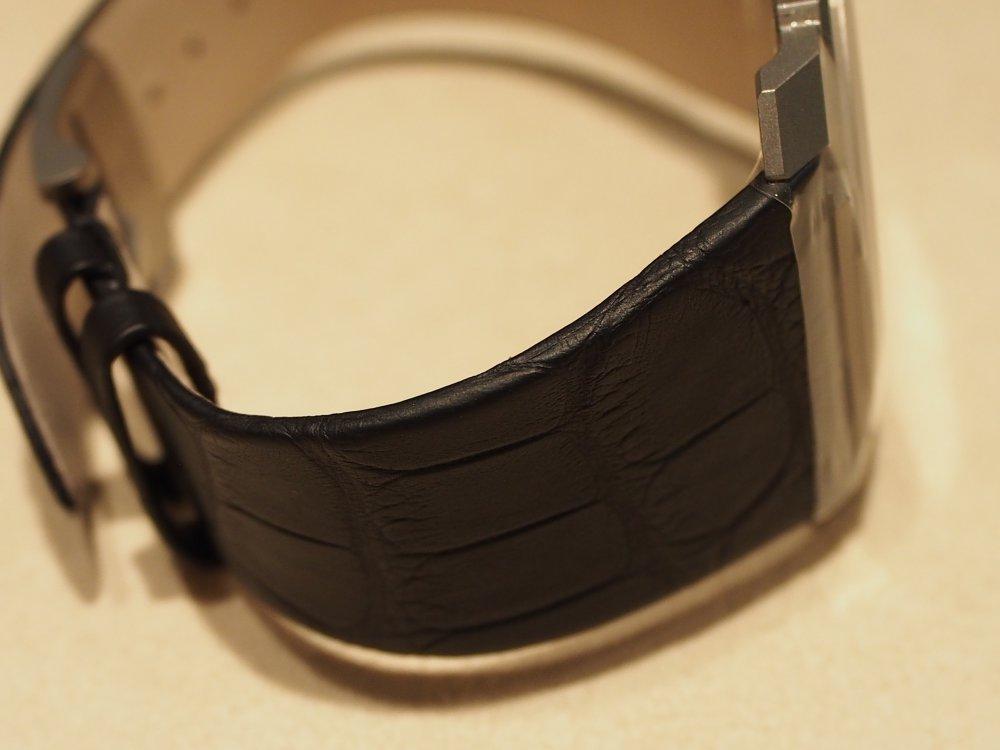 高級感のある時計は世界最薄自動巻き腕時計 ブルガリ オクト フィニッシモ-BVLGARI -P1050301