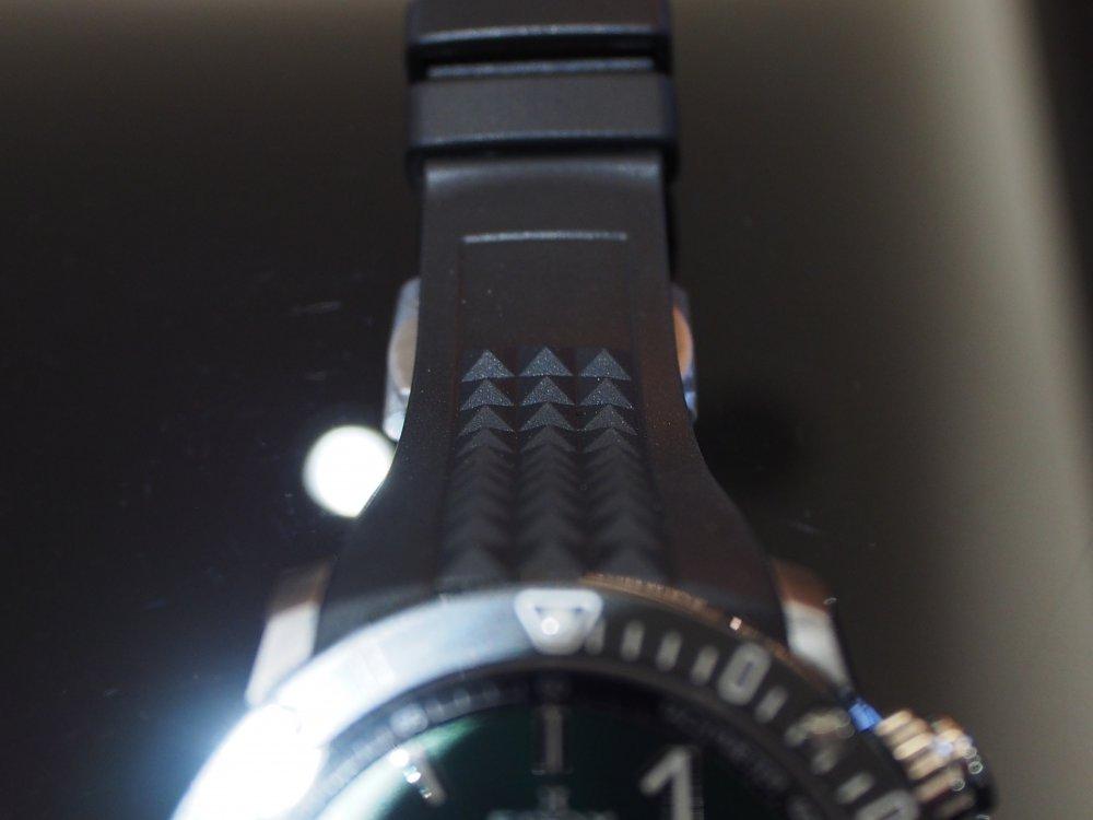 オオミヤ先行販売モデル、入荷しました!「EDOX クロノオフショア1  クロノグラフ スペシャルエディション」-EDOX -P1100318