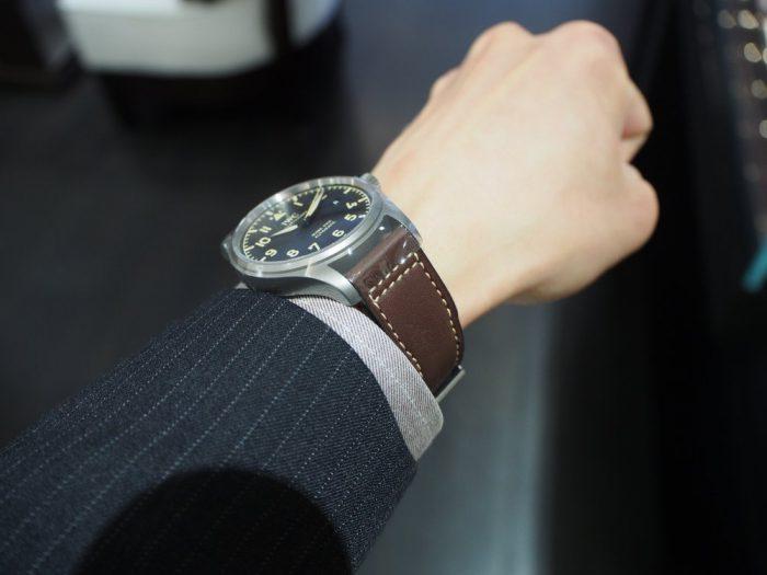 伝統と実用性を両立したIWCらしい時計 「IWC パイロット・ウォッチ・マーク XVIII ヘリテージ 」-IWC -P1240460-700x525