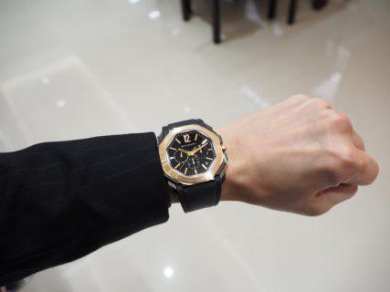 男らしさのある時計、入荷しました。「ブルガリ・オクト ヴェロチッシモ ウルトラネロ」