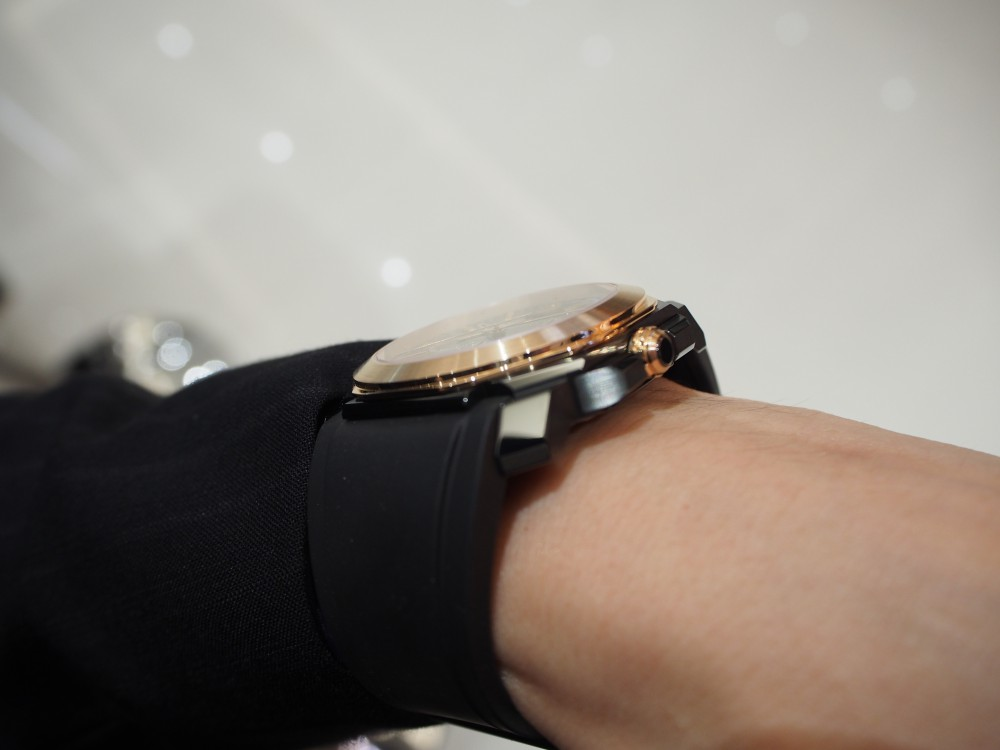 男らしさのある時計、入荷しました。「ブルガリ・オクト ヴェロチッシモ ウルトラネロ」-BVLGARI -P2090032