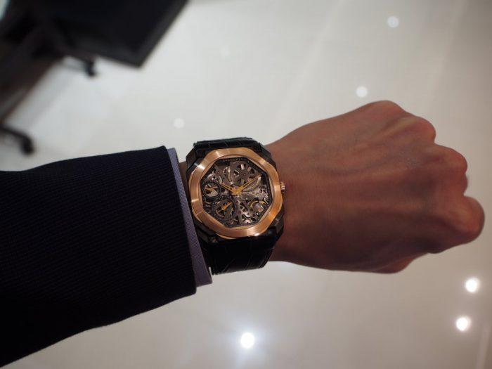 芸術的で豪華な時計と優雅な時間を「ブルガリ オクト フィニッシモ スケルトン」-BVLGARI -P2280248-700x525