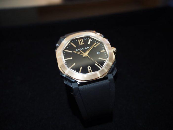 夏の腕元を華やかに。ラバーベルトの時計「ブルガリ オクト オリジナーレ」-BVLGARI -P4090687-700x525