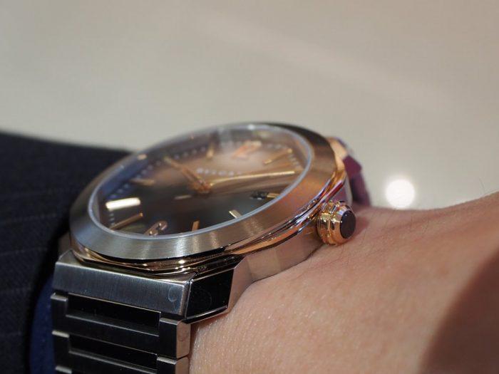 クールなグレー文字盤と18Kピンクゴールドを使用したエレガンスな時計「ブルガリ オクト ローマ」-BVLGARI -P4180019-700x525
