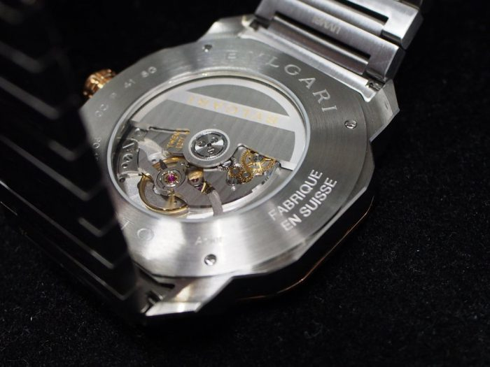 クールなグレー文字盤と18Kピンクゴールドを使用したエレガンスな時計「ブルガリ オクト ローマ」-BVLGARI -P4180024-700x525