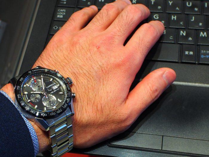 渋カッコいい大人時計「カレラ ホイヤー01 」アントラサイト(グレー)文字盤-TAG Heuer -P4260084-700x525