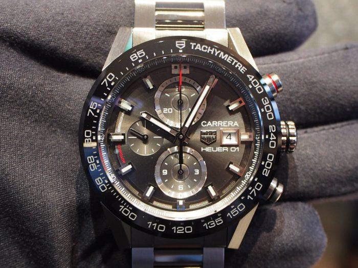 渋カッコいい大人時計「カレラ ホイヤー01 」アントラサイト(グレー)文字盤-TAG Heuer -P4260086-700x525