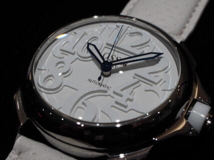 真っ白な腕時計!オッソイタリィの新作ドミナーレが入荷!!