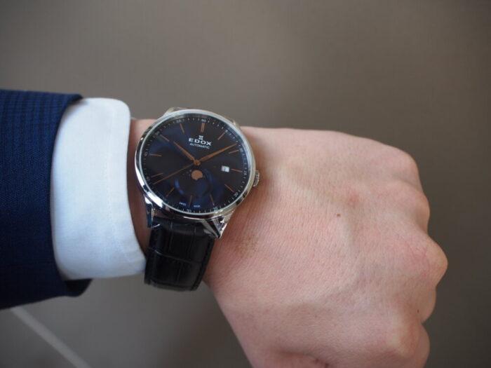 この美しい時計は? レ・ヴォベール ラ・グランデ ルーン オートマチック-EDOX -P7010086-700x525