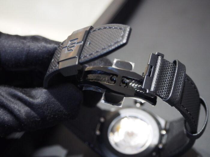 カジュアルスタイルをさり気なく格上げしてくれる一本!モーリス・ラクロア「アイコン オートマティック ブラック」-MAURICE LACROIX スタッフのつぶやき -P7050124-700x525