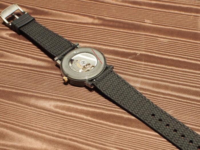 高級感のあるラバーストラップの時計「ブルガリ ブルガリ」-BVLGARI -P7130039-700x525