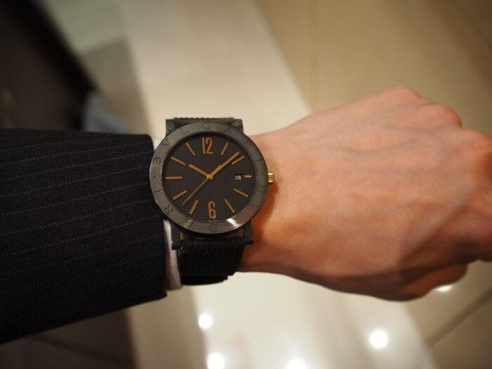 高級感のあるラバーストラップの時計「ブルガリ ブルガリ」-BVLGARI -P7130042-700x525